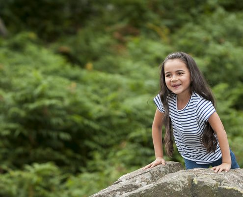 bradgate park photoshoot family photographer leicestershire green rocks