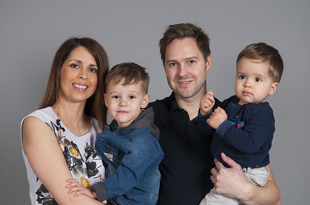 family portrait, leicester studio photography, photoshoot, grey background, Leicester photographer